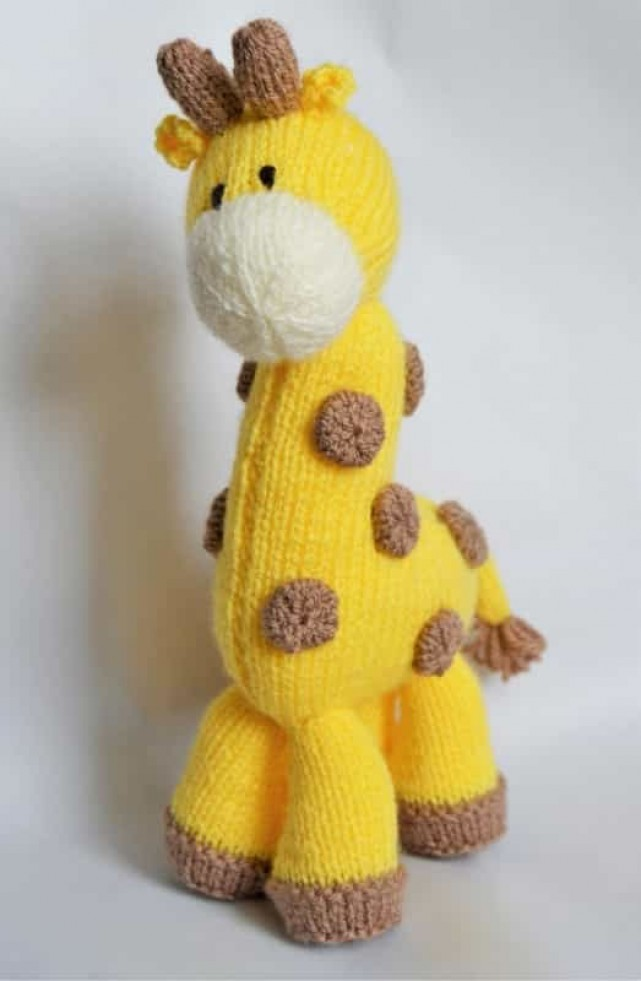 Knitting By Post Giraffe Soft Toy Knitting Pattern DK Knitting Patterns ...