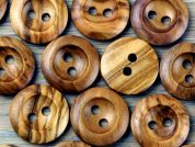 Crendon Round 2 Hole Chunky Wood Buttons