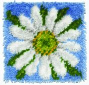 Caron WonderArt Latch Hook Rug Kit Daisy