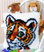 Caron WonderArt Latch Hook Rug Kit Tiger Cub