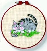 Dimensions Learn A Craft Needlepoint Kit A Cat & a Mouse