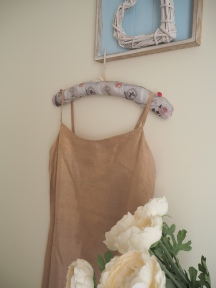 Pretty Vintage Handmade Coat Hangers Tutorial