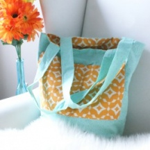 Reversible Tote from Camelot Fabrics